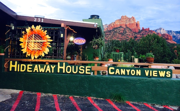 Hideaway-house-dog-friendly-sedona-bodie-on-the-road