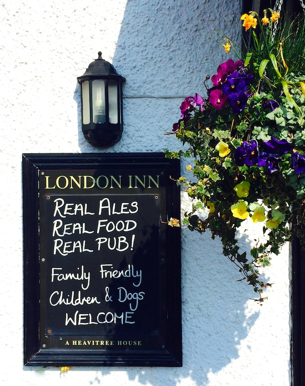 london-inn-dog-friendly-shaldon-sign