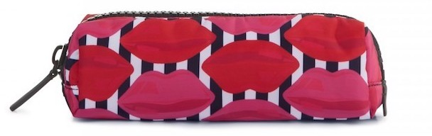 lulu-guinness-lip-print-brush-case